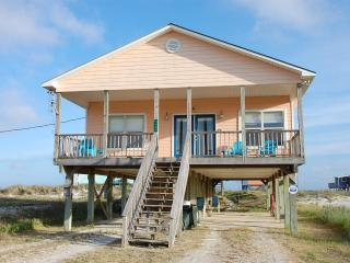 Beach house with Gulf/Bay views, never crowded!, Fort Morgan