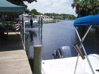 Homosassa Springs river waterfront retreat
