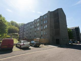 Central 2 bedroom apartment, Midlothian