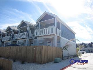 Beautiful New 4/3 Townhouse Close to the Beach with a Great View of the Gulf!, Corpus Christi