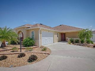 Exquisite courtyard villa on a corner lot. Complimentary Golf Cart, The Villages
