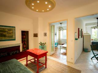 New cosy art flat in the city center, Budapest