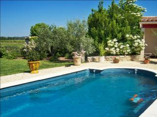 """La Petite Maison"" – oriental-style bungalow near Carcassonne with swimming pool and garden, Badens"