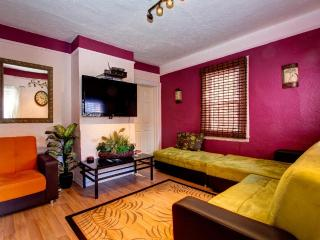 Jewel of Flushing Queens' Spacious House, New York City