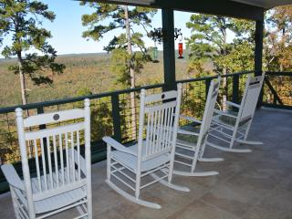 Serenity Vacation Rental, Greers Ferry