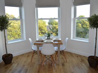 Luxury Portsmouth sea view apartment - new listing