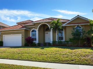 Magnificent Marco Island Waterfront Home, Isla Marco