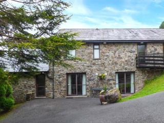 BRECON COTTAGES - MID-GLAMORGAN (NO. 11), on-site facilities, WiFi, Jacuzzi bath, ground floor cottage, near Pen-y-Cae, Ref. 925416, Pen-y-cae