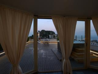 Taormina Skyline - Loft wIth terraces sea view.