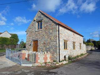 E28 - The Old Cider Barn, Wookey