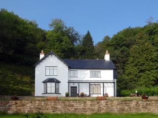 F69 - The Mount, Dulverton