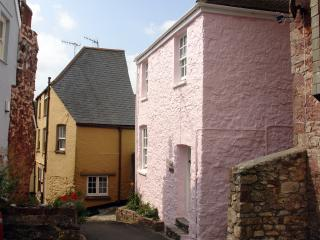 R111 - Rose Cottage, Kingsand