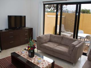 Diamante 69 - Short Term Rental, Noord