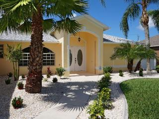 NEW: Gorgeous Villa - Pool&Spa - southern exposure, Cape Coral