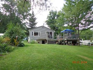 Lakefront Cottage, Private Dock, Kayaks, View, Honeoye