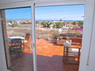 Penthouse with stunning terrace, 900m from beach, El Vendrell