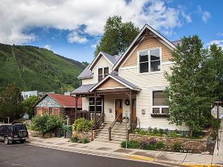 Invitingly Furnished Town Of Telluride 6 Bedroom Condo - CasaAB