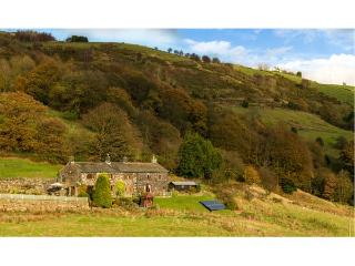 STEVENSON HOUSE, detached, en-suites throughout, Grade II listed, en-suite facilities, woodburning stoves, 6 acres of grounds with furniture, Ref 904573, Hebden Bridge