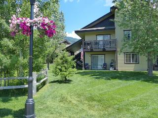 Quail Run 202: Ground Floor Unit, No Stairs, Steamboat Springs