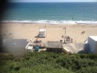 2 BED 2 BATHROOM 2 PAKING SPACES BEACHSIDE FLAT, Bournemouth