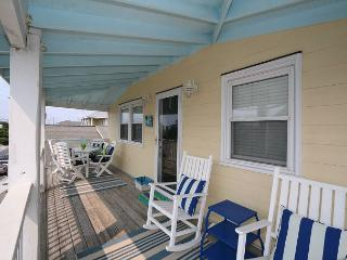 Ryan's Retreat - Retreat to this charming cottage at the coveted south end, Wrightsville Beach