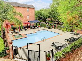 West University 2 Bdr. Condo, Houston