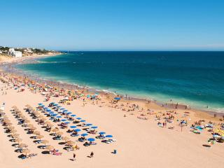 Albufeira Old Town + Beach Location