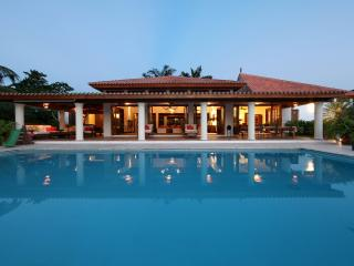 Casa de Campo, Superb Villa on the Golf near Beach, La Romana