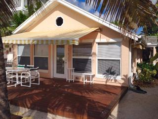 Aug Special $979/wk Beach front cottage *Yachtsman, Indian Rocks Beach