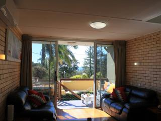 Unit 2, Sunrise Views - Pet friendly, 2 bedrooms, Kings Beach