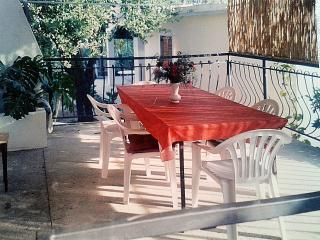 Apartment Biograd for 4 with a parking space and Wi-Fi, Biograd na Moru