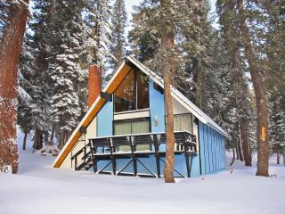 Charming Ski-in/out Chalet #25, Mammoth Lakes