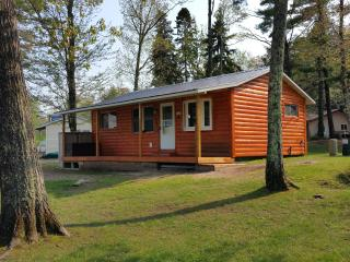 AuTrain River Cottage 2Bedroom Near Pictured Rocks, Munising