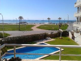 Gorgeous ground floor seafront apartment, Cunit