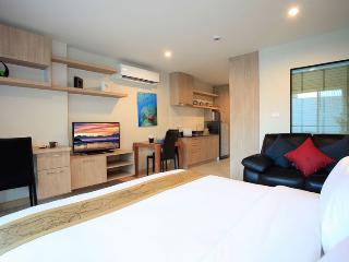 Super Studio, Minutes from Beach!, Patong