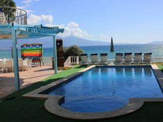 6 Bed Seafrnt Villa w/Pvt Pool, Kusadasi
