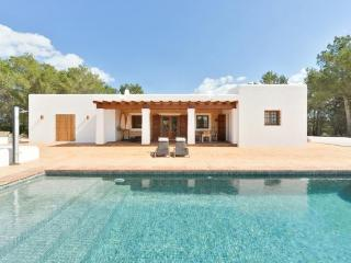 Villa with fireplace,garden Sa, Port de Sant Miguel