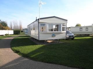 6 berth GCH caravan for hire the chase ingoldmells, Ingoldmells