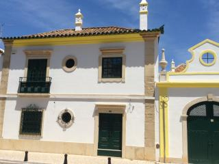 Nice Faro old town city apartment