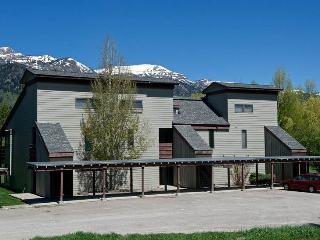 Idyllic Condo with 2 Bedroom/2 Bathroom in Wilson (2.5bd/2ba Mountain Alder 0824)