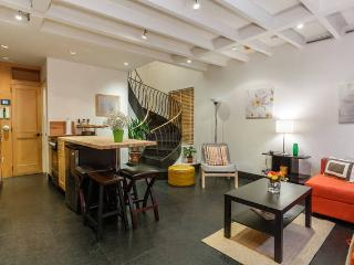 STUNNING TOWNHOUSE in HEART OF NY BY SUPER HOST, Nueva York