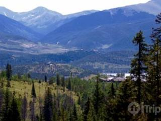 Cozy Mountain Retreat on Buffalo Ridge with Mountain Views! Year-Round Activities, Dining, Shopping., Wildernest