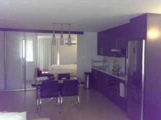 Fully Furnished 2 Bedroom Apartment, Los Ángeles