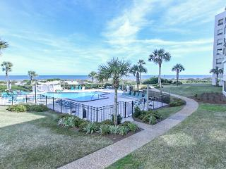 Immaculate, UPDATED Oceanfront Luxury Condo, Fernandina Beach