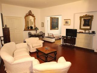 Apt Cavour in the historic center of Santa Margher, Santa Margherita Ligure