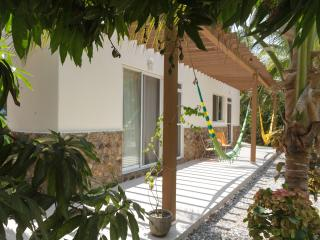 3BD Bungalow with lagoon and ocean access, Acapulco