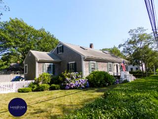 #58 Immaculate, charming and extremely well maintained home, Edgartown
