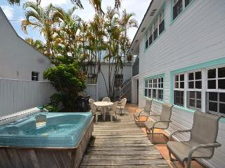 Southernmost Retreat- Spacious 2 BR Condo On Duval St! Private Parking!, Key West