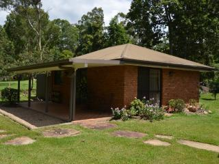 MAYBREE COTTAGE, Tallebudgera
