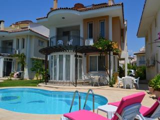 Lisa Park Villas 4 Bedroom Near Calis Beach, Fethiye